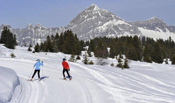 Murtomaa hiihtoa Saisiesin kylässä